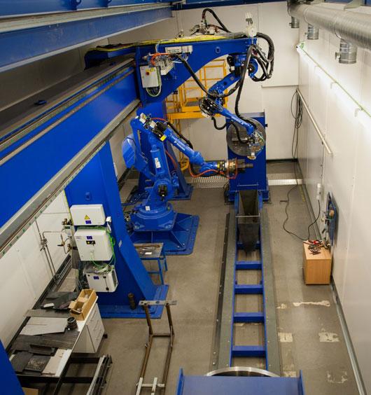 Robotisoitu laserhitsaus.